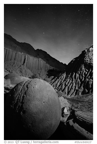 Cannonball and badlands at night. Theodore Roosevelt National Park (black and white)