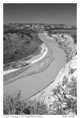 Bend of the Little Missouri River, mid-day. Theodore Roosevelt National Park (black and white)
