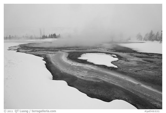 Mirror Pool, snow and steam. Yellowstone National Park (black and white)