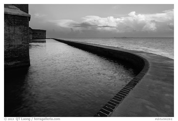 Seawall at sunrise. Dry Tortugas National Park (black and white)