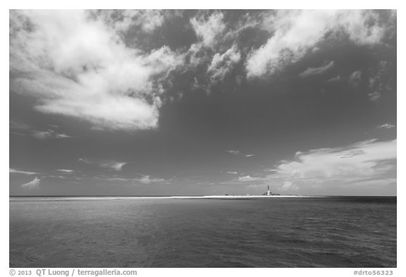 Turquoise ocean waters and Loggerhead key. Dry Tortugas National Park (black and white)