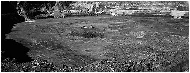 Halemaumau crater. Hawaii Volcanoes National Park (Panoramic black and white)