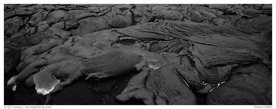 Live lava flow. Hawaii Volcanoes National Park (black and white)