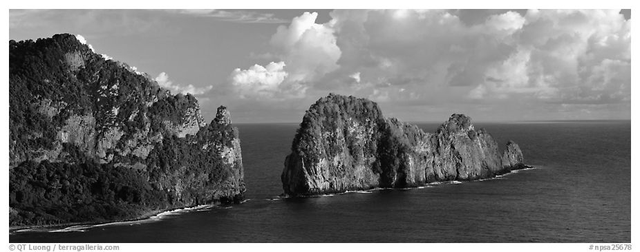 Pola Island, Tutuila Island. National Park of American Samoa (black and white)