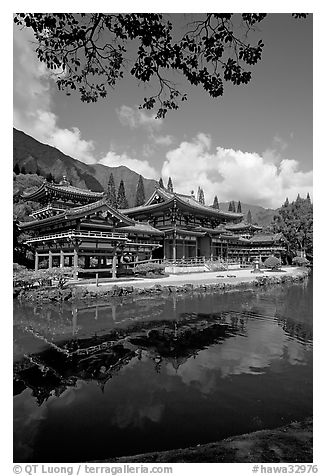 Byodo-In temple reflected in pond, Valley of the Temples, morning. Oahu island, Hawaii, USA (black and white)
