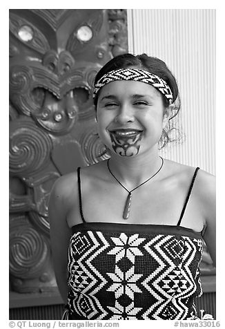 Maori woman with facial tatoo. Polynesian Cultural Center, Oahu island, Hawaii, USA (black and white)