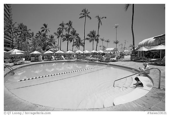 Swimming pool, Sheraton  hotel. Waikiki, Honolulu, Oahu island, Hawaii, USA