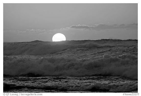 Black and white picture photo big waves and sunset kee beach north shore kauai island hawaii usa
