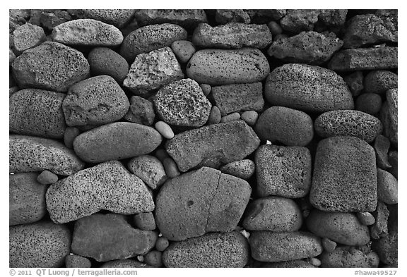 Detail of ancient hawaiian wall, Kaloko-Honokohau National Historical Park. Hawaii, USA (black and white)
