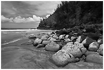 Hanakapiai Beach, Na Pali coast. Kauai island, Hawaii, USA ( black and white)