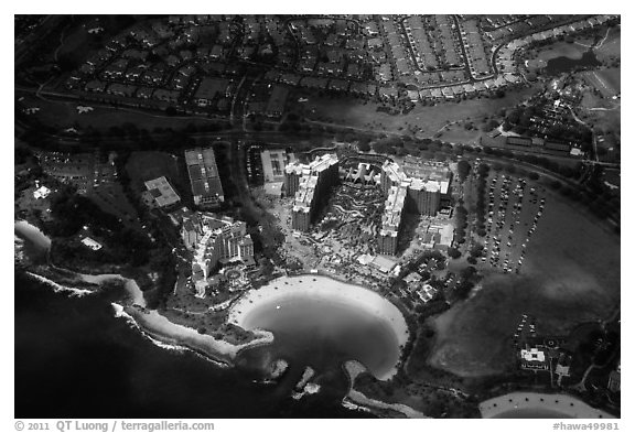 Aerial view of Cove and resort. Honolulu, Oahu island, Hawaii, USA (black and white)