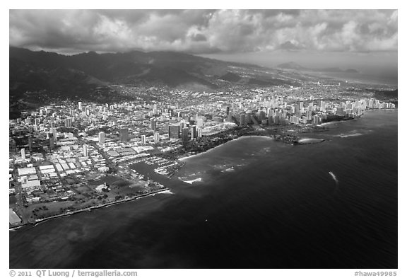 Aerial view. Honolulu, Oahu island, Hawaii, USA (black and white)