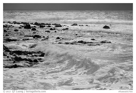 Surf, Isaac Hale Beach. Big Island, Hawaii, USA (black and white)