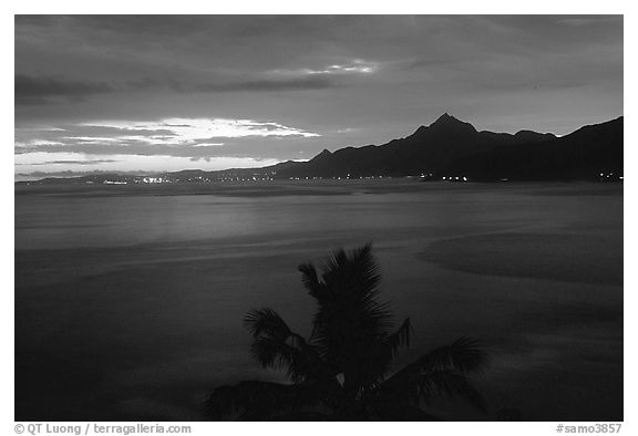 Sunset near Laulii. Tutuila, American Samoa (black and white)