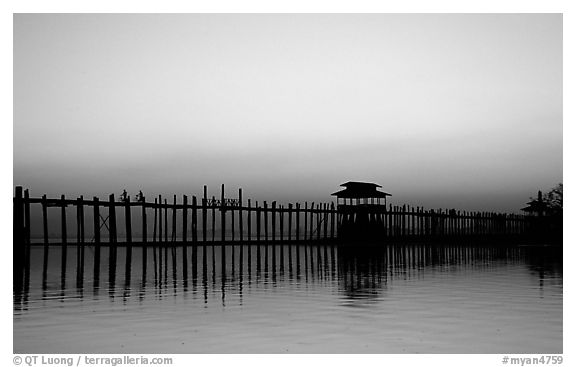 U Bein bridge, worlds longest teak span. Amarapura, Myanmar (black and white)