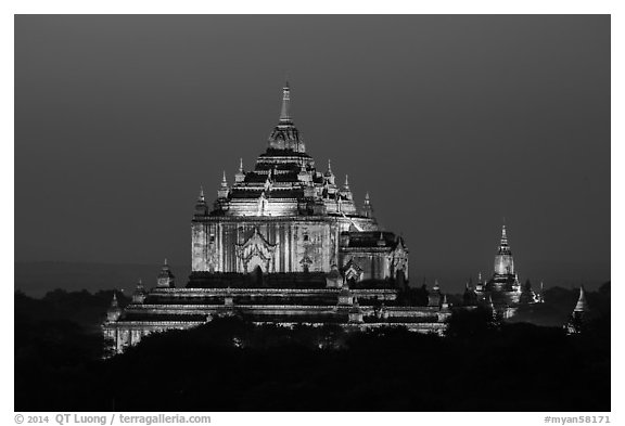 Thatbyinnyu temple at night. Bagan, Myanmar (black and white)
