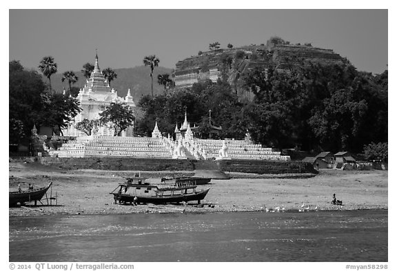 Settawya Pagoda and unfinished Mingun Pagoda from river, Mingun. Myanmar (black and white)