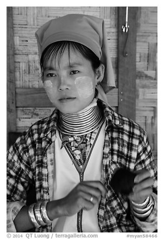 Kayan woman of the Padaung tribe wearing brass neck coils. Inle Lake, Myanmar (black and white)