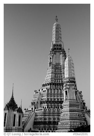 Prang (khmer style tower) of Wat Arun,sunrise. Bangkok, Thailand (black and white)