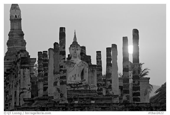 Wat Mahathat at sunset. Sukothai, Thailand (black and white)