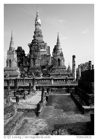 Central portion of Wat Mahathat complex. Sukothai, Thailand