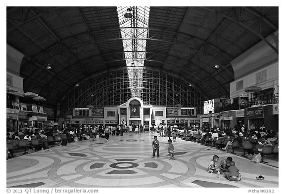 Main hall of Hualamphong train station. Bangkok, Thailand (black and white)