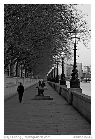 Riverfront promenade. London, England, United Kingdom (black and white)