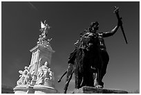Statues in front of Buckingham Palace. London, England, United Kingdom (black and white)