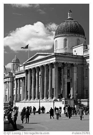 National Gallery. London, England, United Kingdom (black and white)