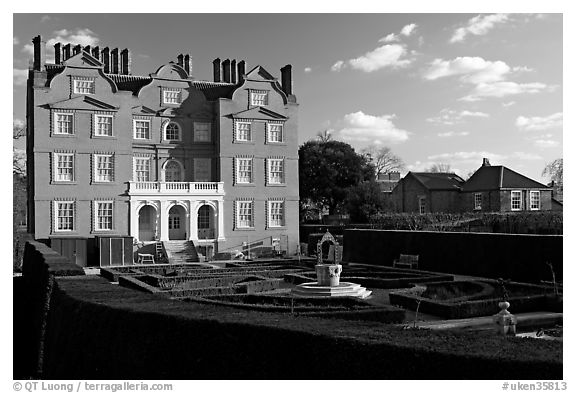 Kew Palace, late afternoon. Kew Royal Botanical Gardens,  London, England, United Kingdom (black and white)