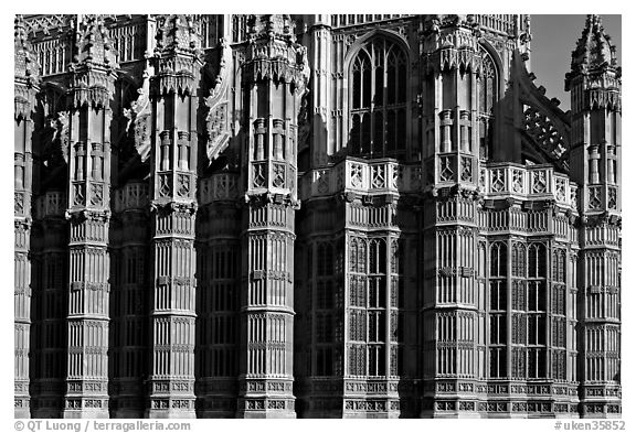 Architectural detail, Westminster Abbey. London, England, United Kingdom (black and white)