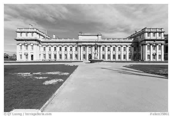 University of Greenwich and Trinity College of Music. Greenwich, London, England, United Kingdom (black and white)