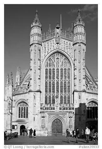 West front of Abbey. Bath, Somerset, England, United Kingdom (black and white)