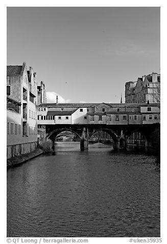 River Avon and Pulteney Bridge, completed in 1773. Bath, Somerset, England, United Kingdom (black and white)