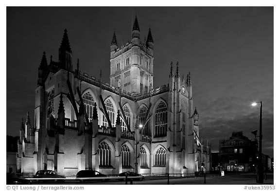 Abbey at dusk. Bath, Somerset, England, United Kingdom (black and white)