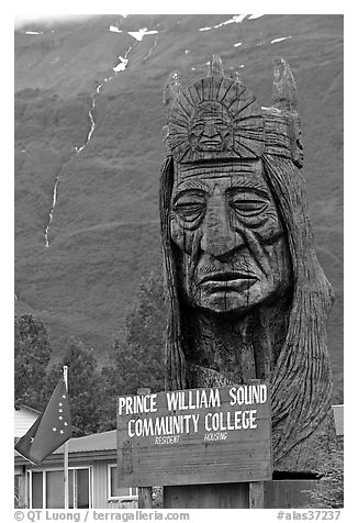 Peter Toth huge wooden carving of a Native American. Alaska, USA (black and white)