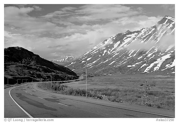 Richardson Highway below Thompson Pass. Alaska, USA