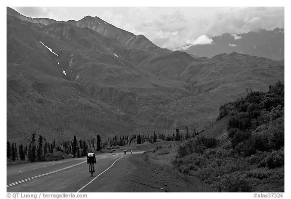 Road cycling, Glenn Highway. Alaska, USA