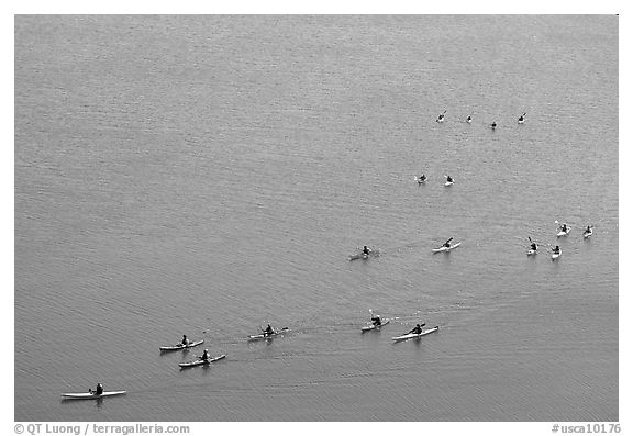 Sea Kayakers, Pilar Point Harbor. Half Moon Bay, California, USA (black and white)
