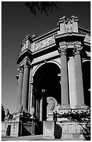 Rotunda of the Palace of Fine Arts, afternoon. San Francisco, California, USA ( black and white)