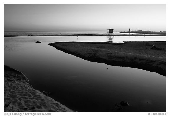 Twin Lakes State Beach, sunset. Santa Cruz, California, USA (black and white)
