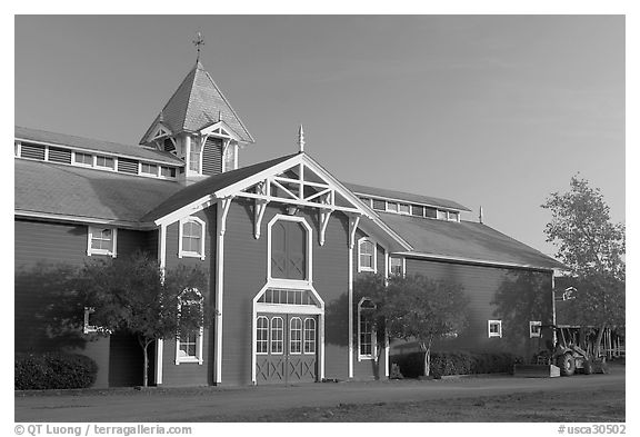 Red Barn, late afternoon. Stanford University, California, USA (black and white)