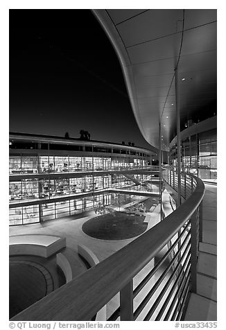 Newly constructed James Clark Center for research in biology, night. Stanford University, California, USA (black and white)