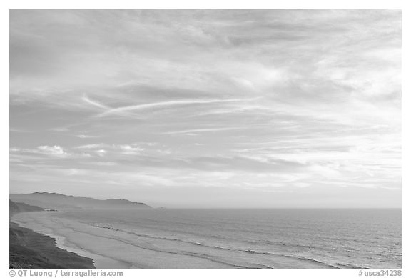 Ocean at sunset seen from Fort Funston. San Francisco, California, USA (black and white)