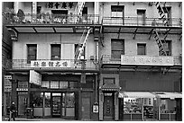Shops and houses, Wawerly Alley, Chinatown. San Francisco, California, USA (black and white)