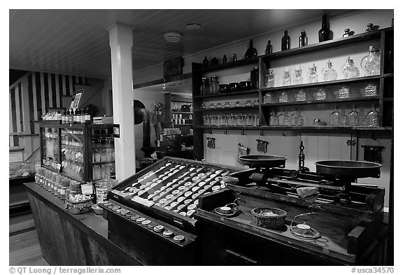 Interior of apothicary store, Old Town. San Diego, California, USA (black and white)