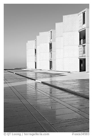 Cubist Laboratory blocks reflected in courtyard marble, Salk Institute. La Jolla, San Diego, California, USA (black and white)