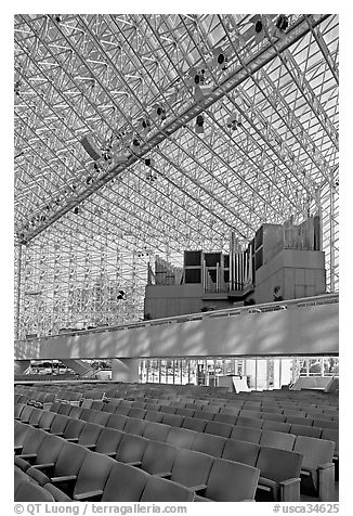 16000-pipe organ inside the Crystal Cathedral. Garden Grove, Orange County, California, USA (black and white)