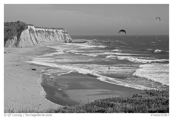 Beach and kite surfers from above, Scott Creek Beach. California, USA (black and white)