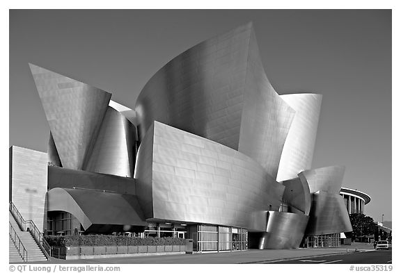 Walt Disney Concert Hall, early morning. Los Angeles, California, USA